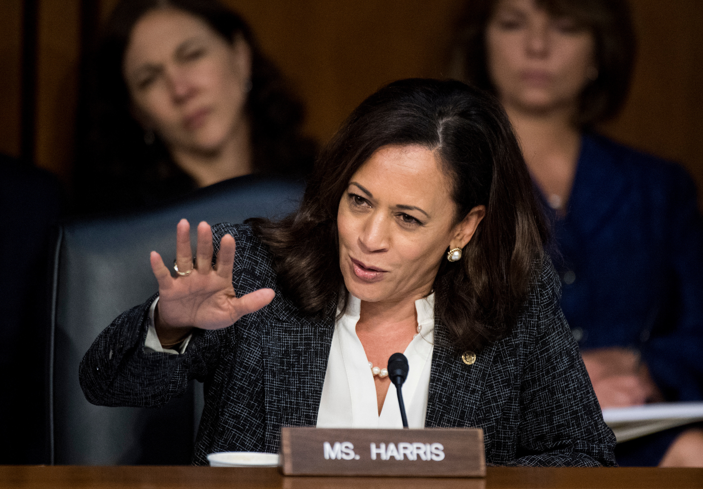 Sen. Kamala Harris, D-Calif., questions Comey. (Bill Clark/CQ Roll Call)