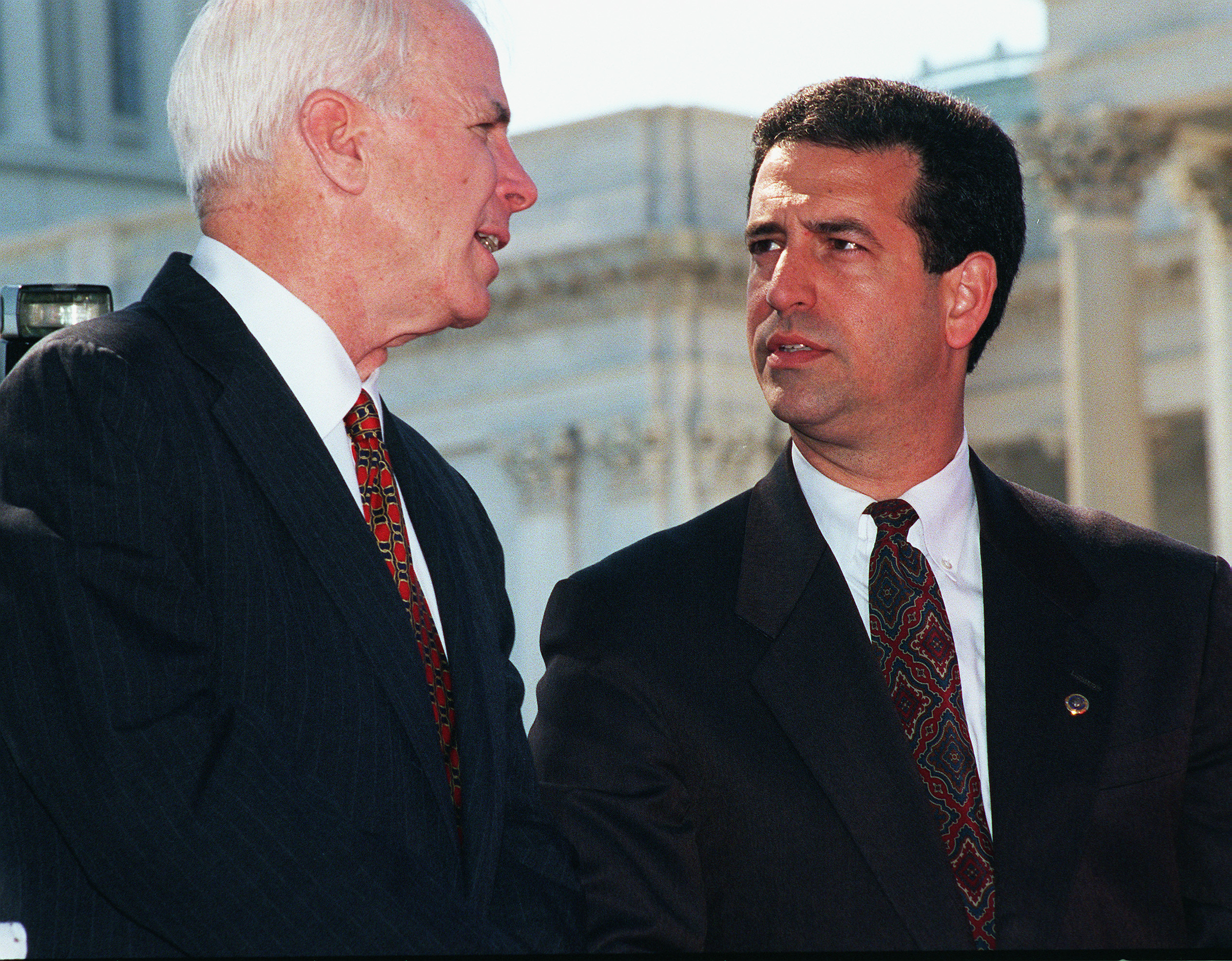 10-6-97.CAMPAIGN FINANCE PRESS CONFERENCE-- John McCain ,R-Ariz.,and Russell D. Feingold,D-Wis., during a press conference on campaign finance reform.One-million American names demanding that Congress clean up the corrupt campaign finance system was delivered by Common Cause at the event..CONGRESSIONAL QUARTERLY PHOTO BY DOUGLAS GRAHAM