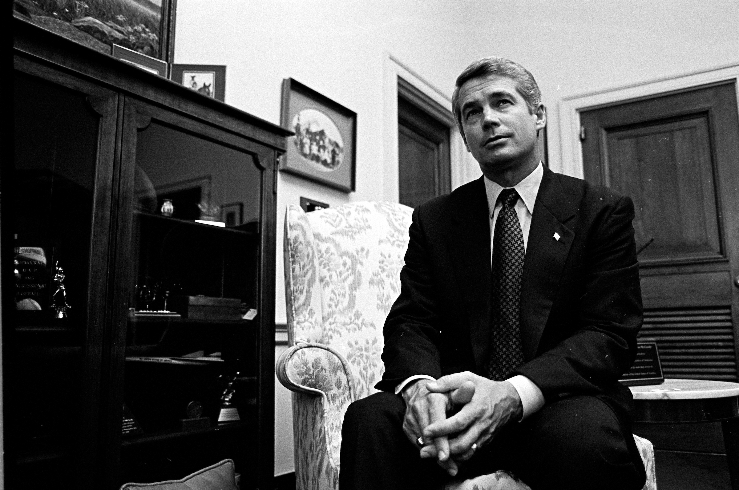 McCurdy in his office during his days in Congress. (CQ Roll Call file photo)