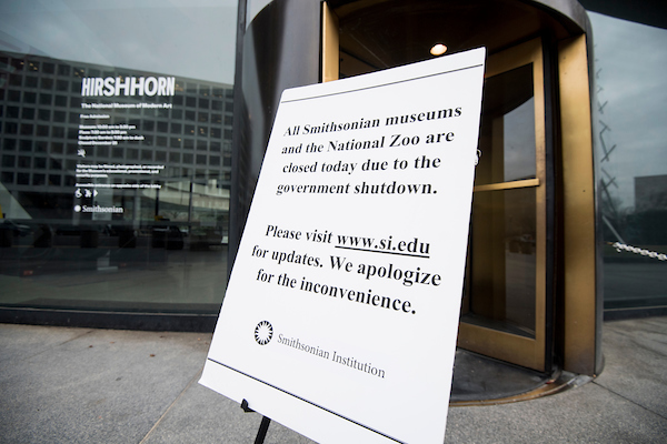 A sign outside of the Smithsonian's Hirshhorn Museum notifies visitors that all Smithsonian museums are closed due to the government shut down on Wednesday, Jan. 2, 2019. (Bill Clark/CQ Roll Call)