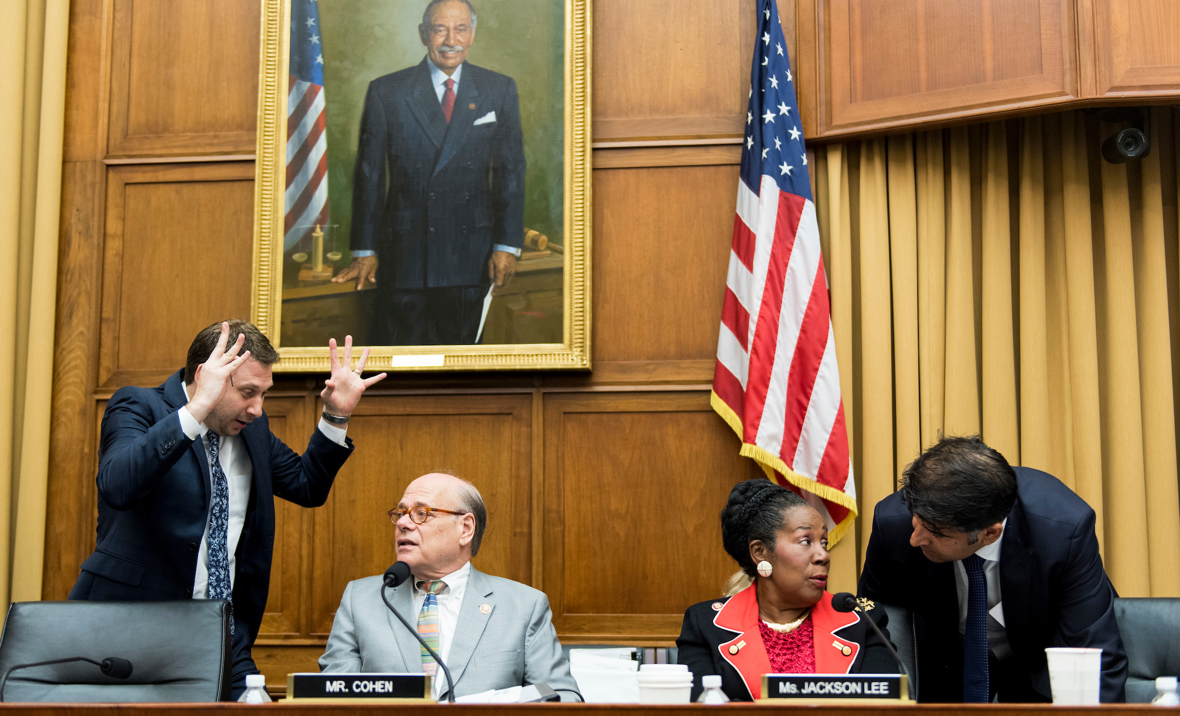 "Rep. Steve Coehn, D-Tenn., and Rep. Sheila Jackson Lee, D-Texas, confere with staffers during a recess in the House Judiciary Committee hearing on ""Oversight of the Report on the Investigation into Russian Interference in the 2016 Presidential Election"" on Wednesday, July 24, 2019. (Photo By Bill Clark/CQ Roll Call)"
