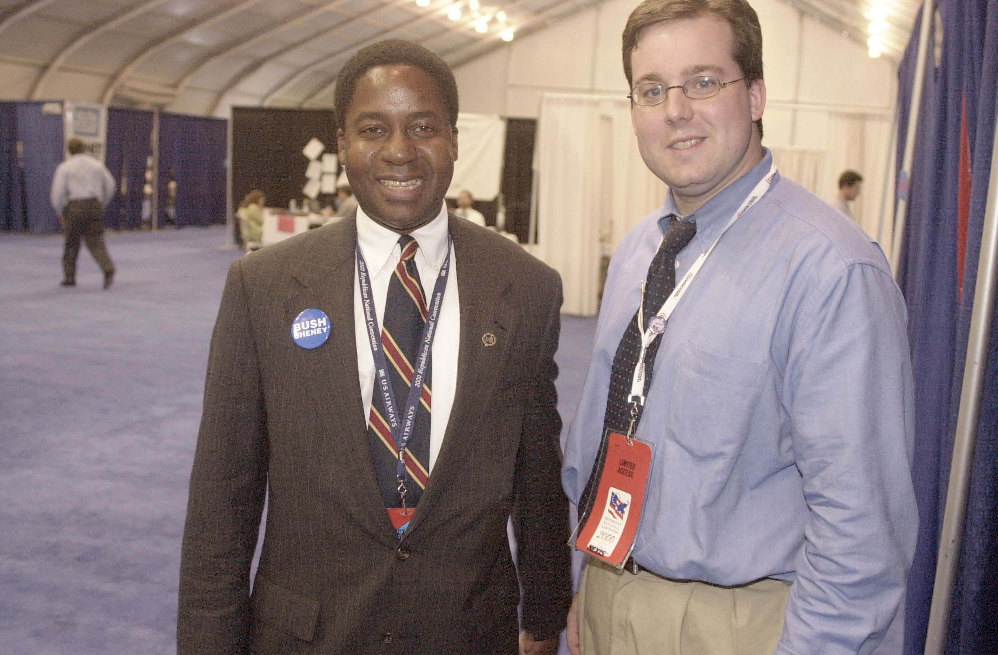 GOPconvention2(TW)080200 --Jack E. Robinson and Roll Call Co-Editor Ed Henry.